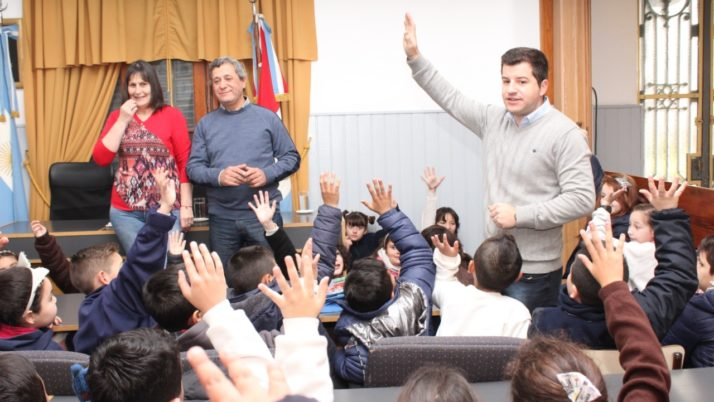 """Las escuelas villagalvenses se suman a """"Concejales por un día"""""""